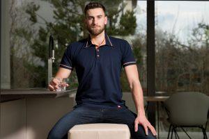 Smart oblečenie CityZen, na ktorom nie je vidieť pot, je v lete ideálnym kúskom pre muža